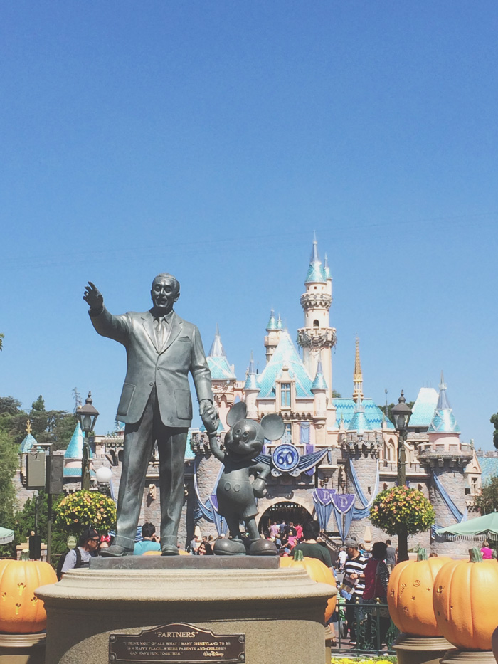 That castle. That statue.